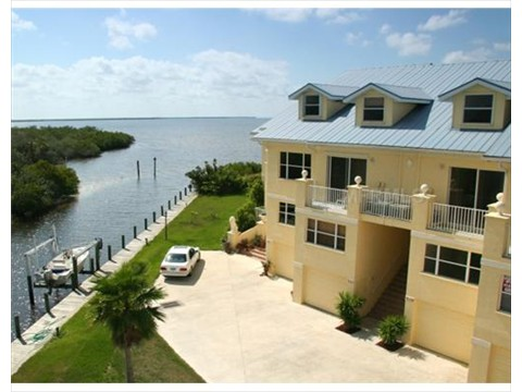 Gulf access from Villas at Harbour Village