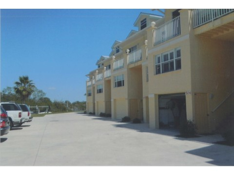 Water front living at Villas at Harbour Village
